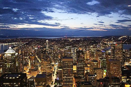 Seattle Night by Caroline Lomeli