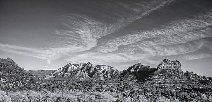Sedona - Black and White by Greg Thiemeyer