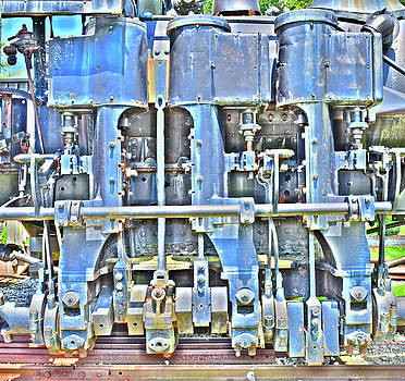 Shay Engine by Pat Turner