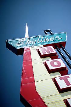 Skyliner Motel by John Gusky
