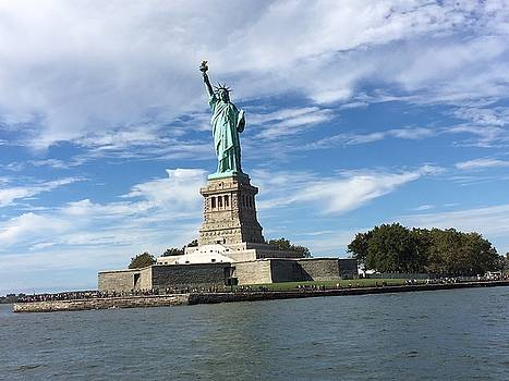 Statue of Liberty by Val Oconnor
