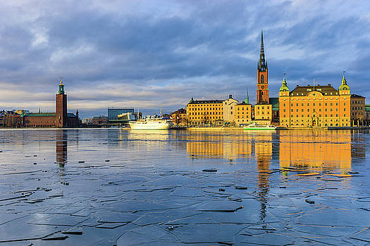 Dejan Kostic - Golden Hour Stockholm Ice Reflection