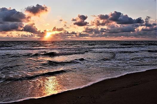 Sunrise in Paradise by Kim Bemis