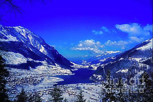 Switzerland alps lake  winter  by Tom Jelen