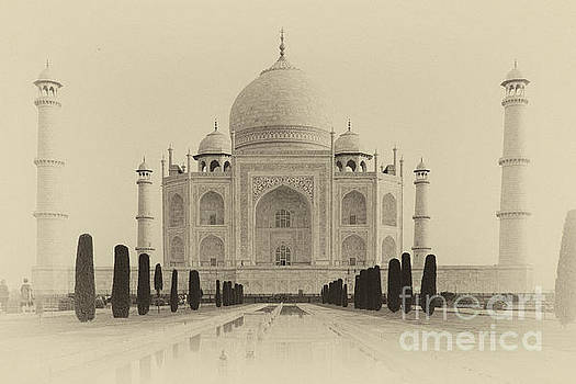 Taj MAhal by Isabel Poulin