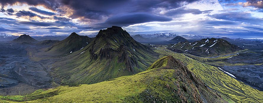 The Highlands by Sven Broeckx