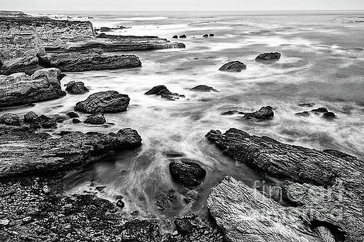 Jamie Pham - The jagged rocks and cliffs of Montana de Oro State Park