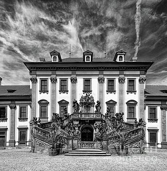 Troja Castle by Joerg Lingnau
