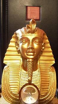 Tutankhamon by Kovats Daniela