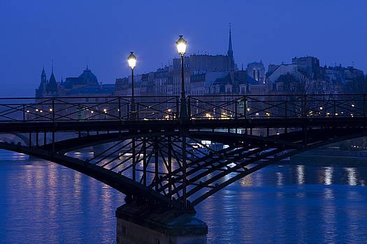 Twilight in Paris by Arabesque Saraswathi