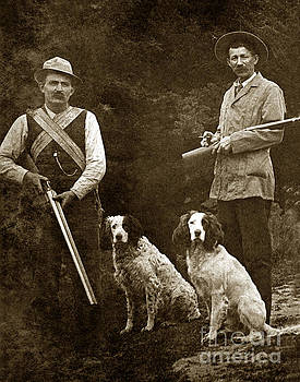 California Views Mr Pat Hathaway Archives - Two hunter with shotguns and bird dogs circa 1900
