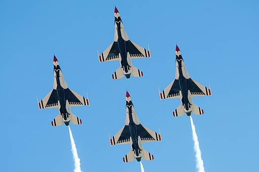 USAF Thunderbirds at Amigo Airsho by SR Green