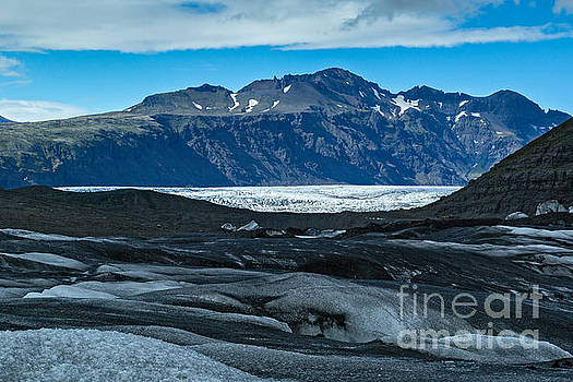 Vatnajokull Vista by Stuart Gordon