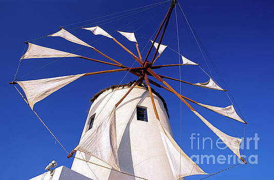 George Atsametakis - Windmill in Oia town