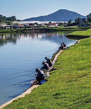 Xuan Huong lake by Tran Minh Quan