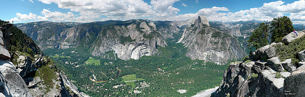 Yosemite Valley as seen from Glacier Point by Rafn Stefansson