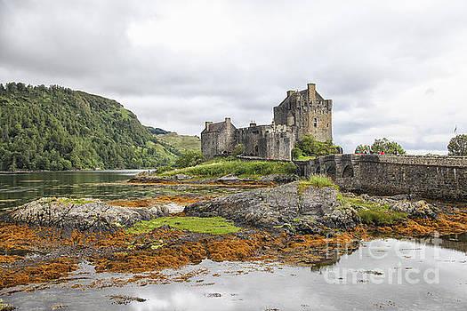Patricia Hofmeester - Eilean Donan castle Scotland, UK