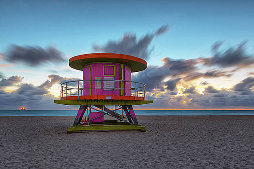 10th Street Lifeguard Tower at Dawn by Claudia Domenig