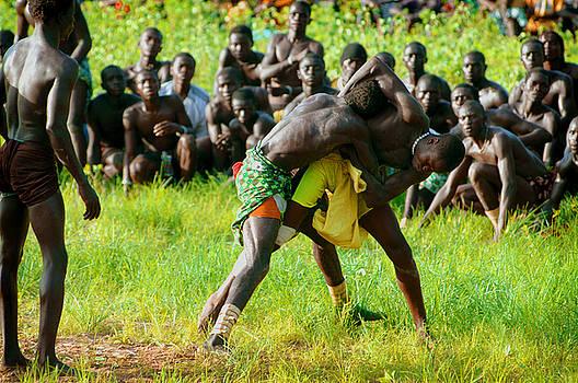 Eduardo Huelin - Men fighting in the traditional struggle Senegal