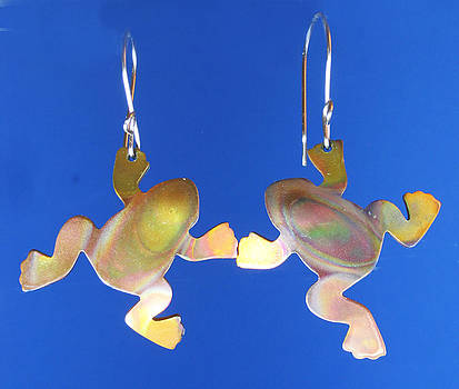 Dianne Brooks - 1245 Frog earrings