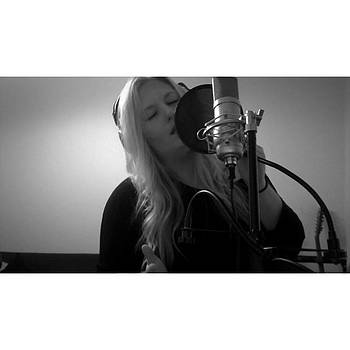 15 Seconds Of Adele Heaven. #helloadele by Stephanie Brown