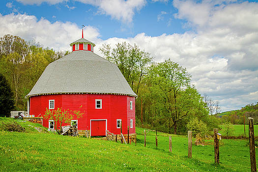 Jack R Perry - 16 Sided Barn