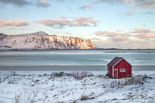 Sund, Lofoten - Norway by Joana Kruse