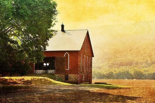 1900 Barn on River Road by Stephanie Calhoun
