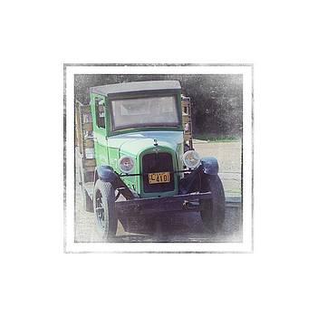 1926 Chevrolet Truck by Eduardo Tavares