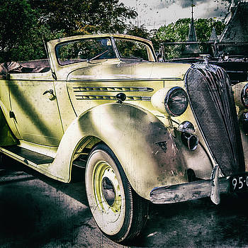 2bhappy4ever - 1936 Hudson 8 Convertible near castle Vintage