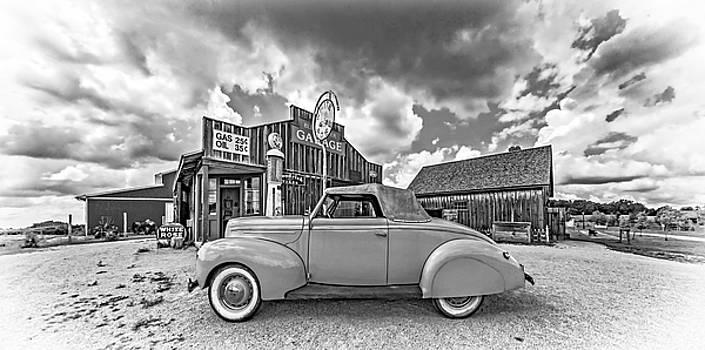 Steve Harrington - 1939 Ford Deluxe Convertible 3 bw