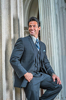 Alexander Image - American Businessman waiting for you outside in New York