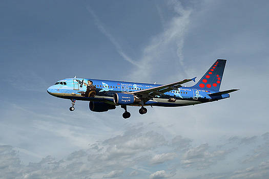 Brussels Airlines Airbus A320-214 by Nichola Denny