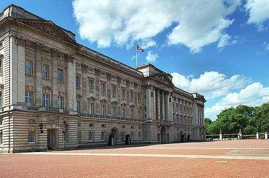 Buckingham Palace by Chris Day