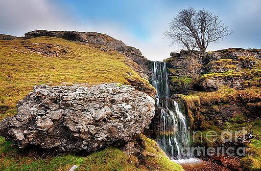 Mariusz Talarek - Cray falls. Middle waterfall.