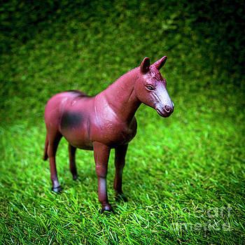 Horse figurine by Bernard Jaubert