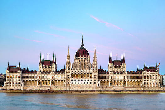 Hungarian Parliament Building by Fabrizio Troiani