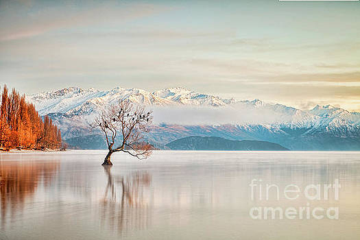 Lake Wanaka Otago New Zealand by Colin and Linda McKie
