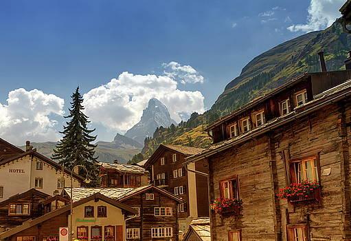 Elenarts - Elena Duvernay photo - Matterhorn and Zermatt village houses, Switzerland