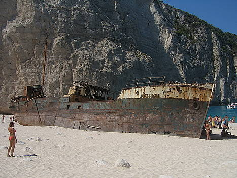 Newnow Photography By Vera Cepic - Navagio Shipwreck beach on island of Zakinthos shot from the sea