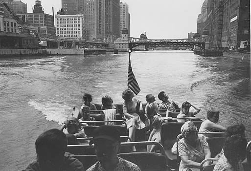 Chicago and North Western Historical Society - Passengers Aboard Wendella Sunliner - 1962