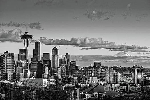 Seattle Skyline by Jamie Pham