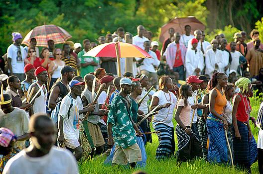 Eduardo Huelin - Spectators watching the traditional struggle Senegal