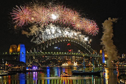 David Iori - Sydney New Years Eve Fireworks 2009 - 2010 Sydney Harbour Bridge
