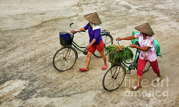 Chuck Kuhn - 2 Women Bicycle Color Vietnam