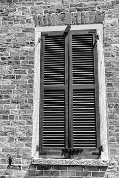 201406030-010K Shuttered Church Window BW 2x3 by Alan Tonnesen