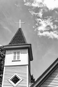 201406030-023K Cross on Bell Tower BW 2x3 by Alan Tonnesen
