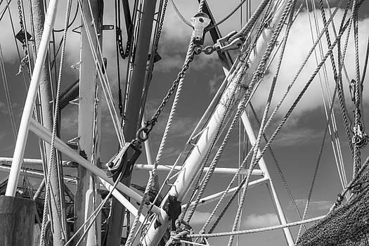 201503140-052K Ropes Chains Booms BW 2x3 by Alan Tonnesen