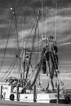 201503140-084K Fishing boat rigging BW 2x3 by Alan Tonnesen