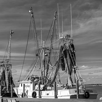 201503140-086PK Fishing Boat at Wharf BW 1x1 by Alan Tonnesen